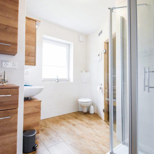 ferienhaus-badezimmer-eg-2